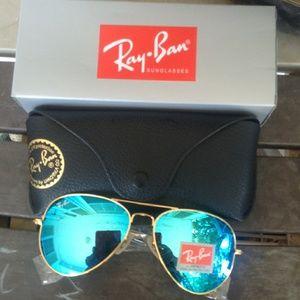 Brand New Blue RayBan Aviators 62mm Never Opened